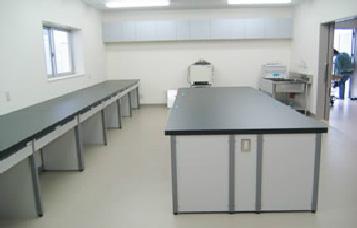 産業動物エネルギー代謝研究棟の実験室